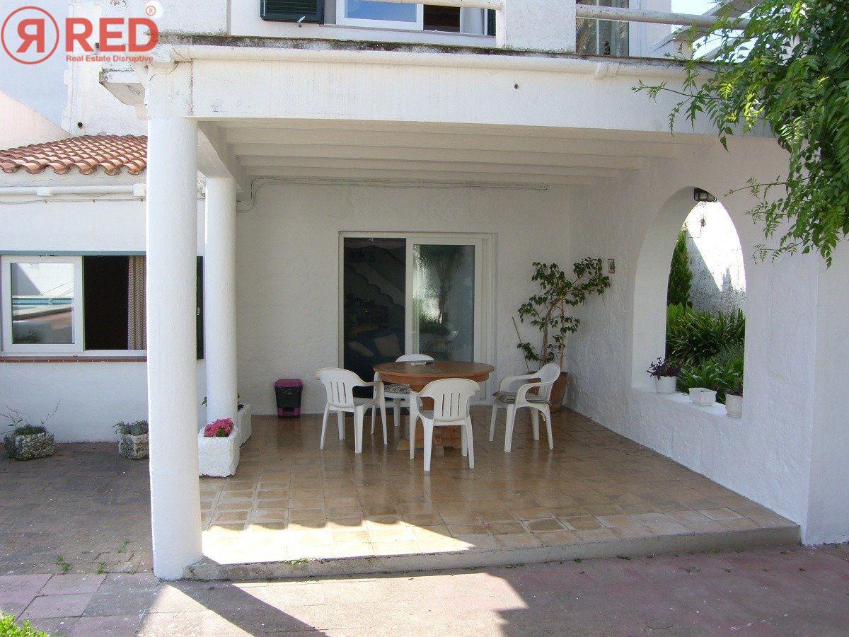 Magnifica casa con jardín y piscina en el centro de la ciudad - imagenInmueble22