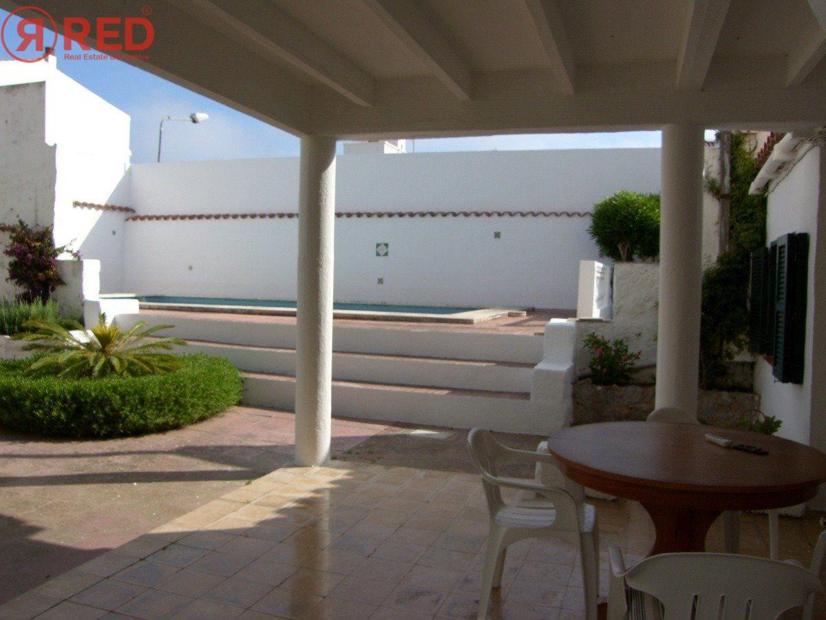 Magnifica casa con jardín y piscina en el centro de la ciudad - imagenInmueble23