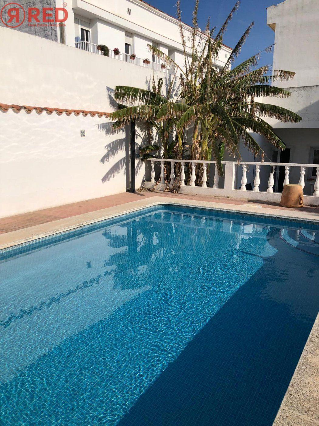 Magnifica casa con jardín y piscina en el centro de la ciudad - imagenInmueble25