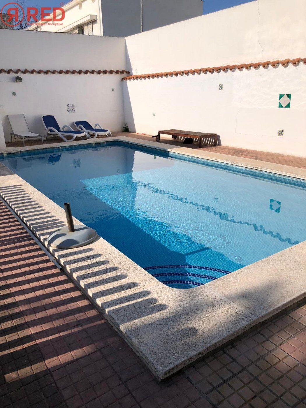 Magnifica casa con jardín y piscina en el centro de la ciudad - imagenInmueble26
