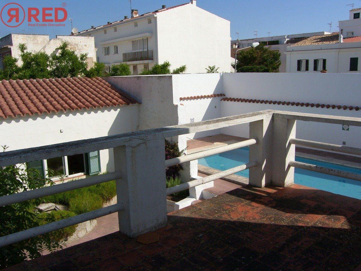 Magnifica casa con jardín y piscina en el centro de la ciudad - imagenInmueble30
