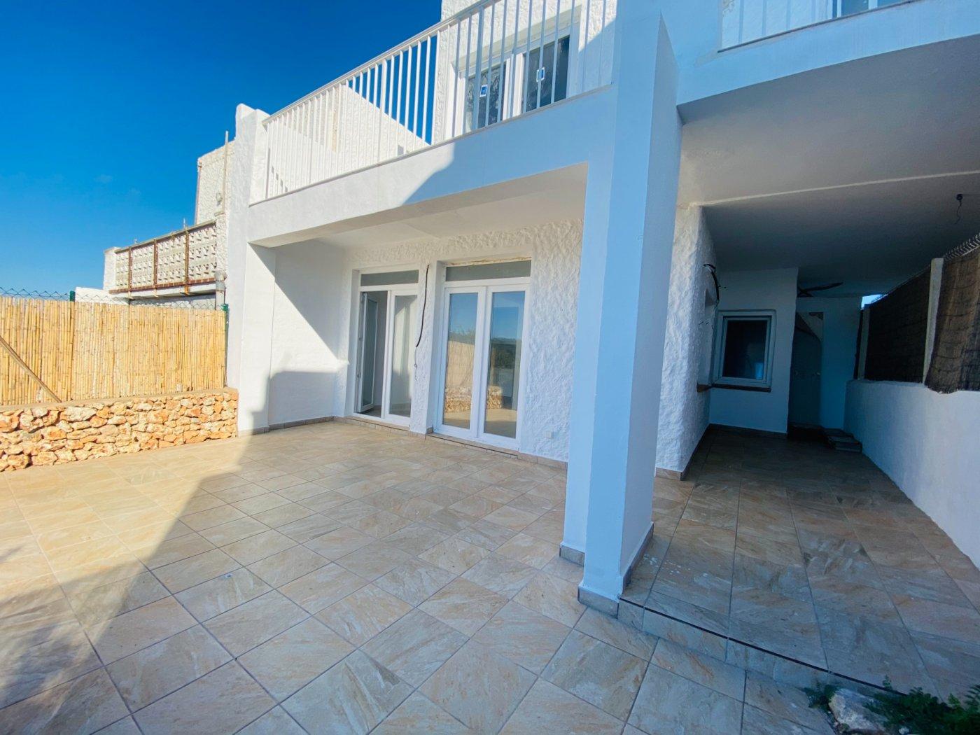 Conjunto de dos apartamentos con vistas a la playa - imagenInmueble0