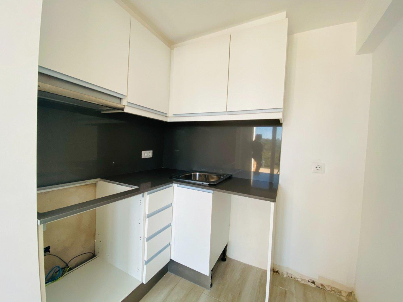 Conjunto de dos apartamentos con vistas a la playa - imagenInmueble9