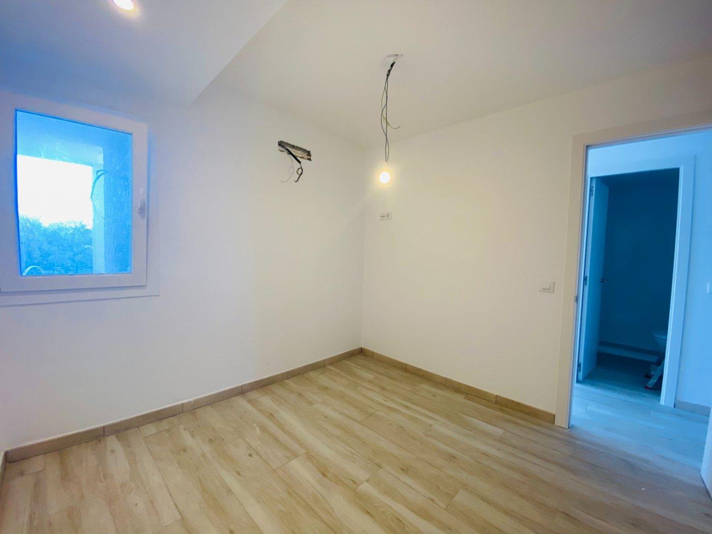 Conjunto de dos apartamentos con vistas a la playa - imagenInmueble10