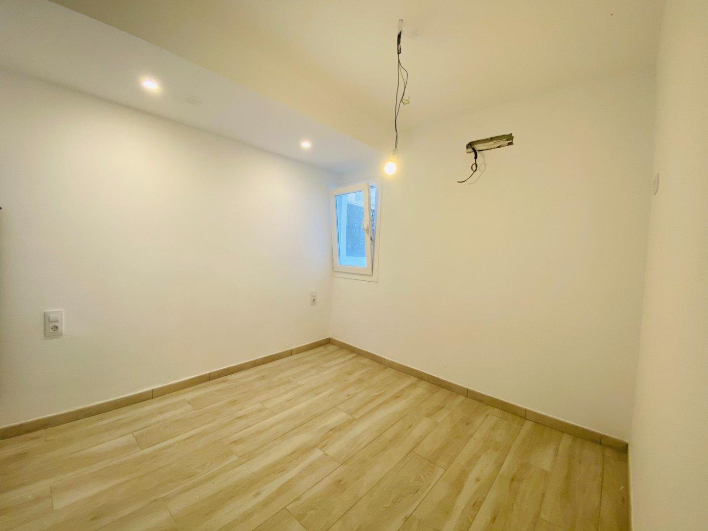 Conjunto de dos apartamentos con vistas a la playa - imagenInmueble11