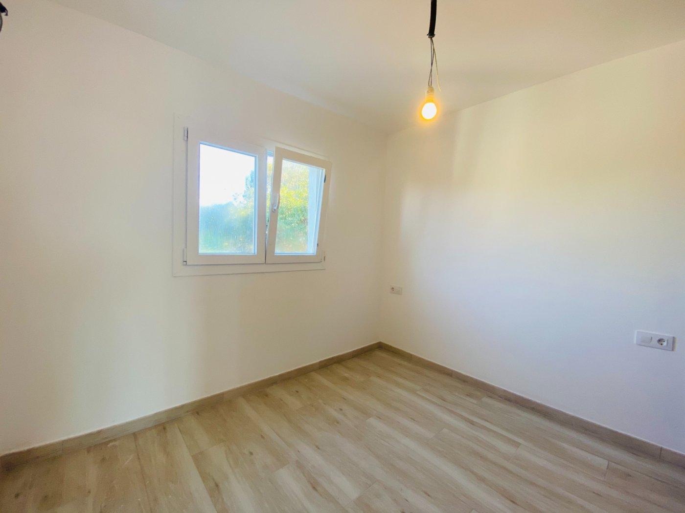 Conjunto de dos apartamentos con vistas a la playa - imagenInmueble12