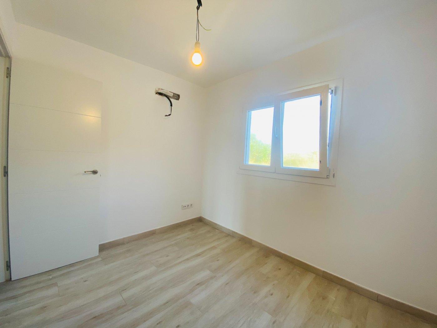 Conjunto de dos apartamentos con vistas a la playa - imagenInmueble13