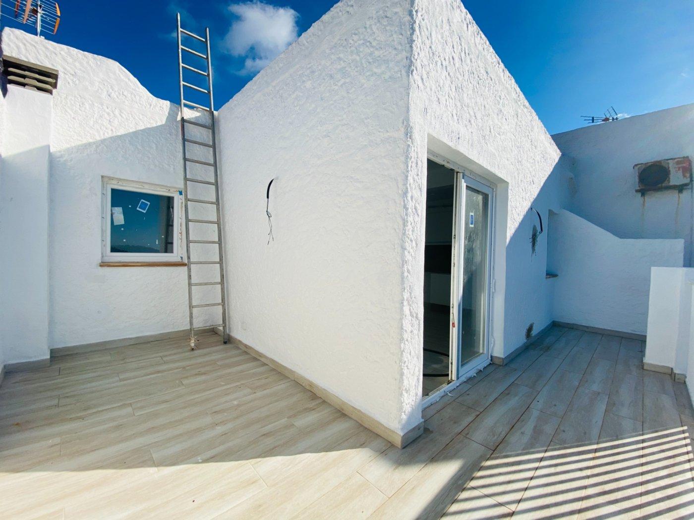 Conjunto de dos apartamentos con vistas a la playa - imagenInmueble15