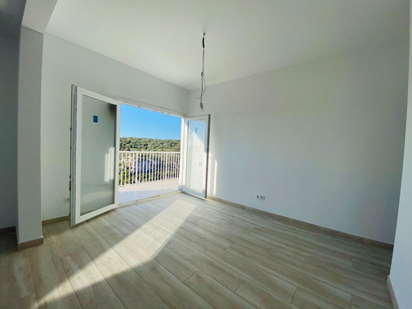 Conjunto de dos apartamentos con vistas a la playa - imagenInmueble20