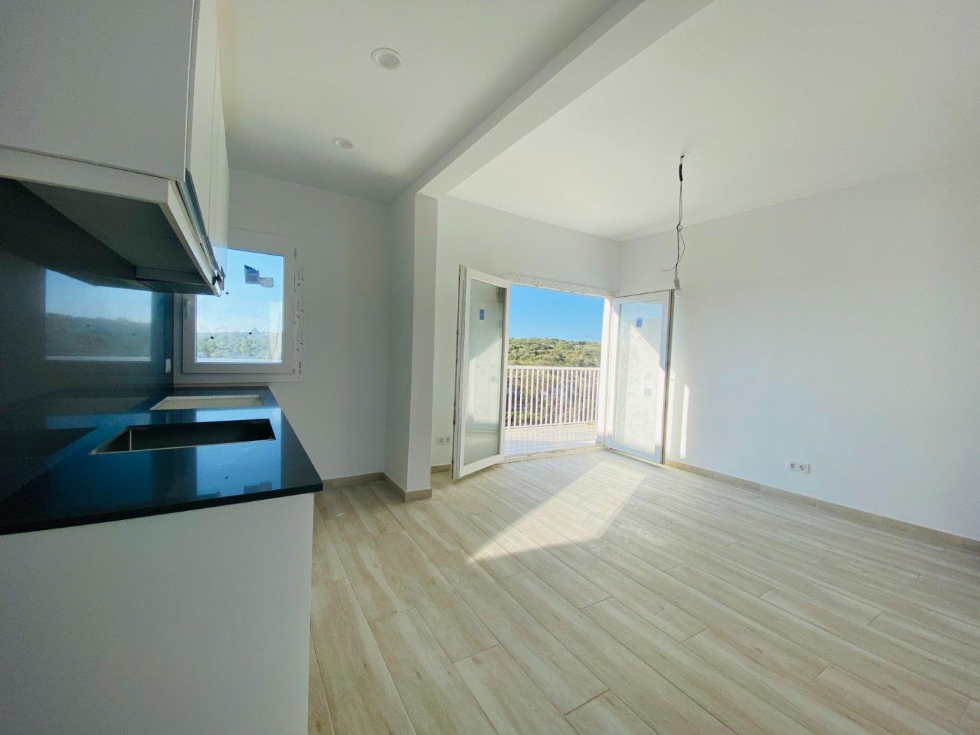 Conjunto de dos apartamentos con vistas a la playa - imagenInmueble21