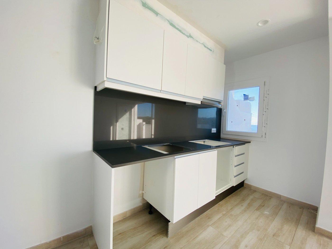 Conjunto de dos apartamentos con vistas a la playa - imagenInmueble23