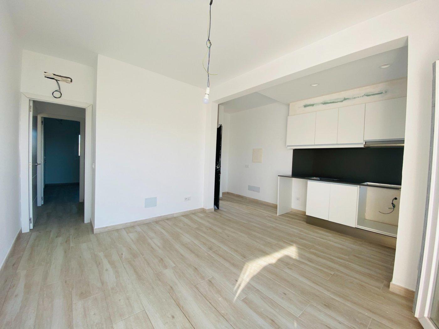 Conjunto de dos apartamentos con vistas a la playa - imagenInmueble25