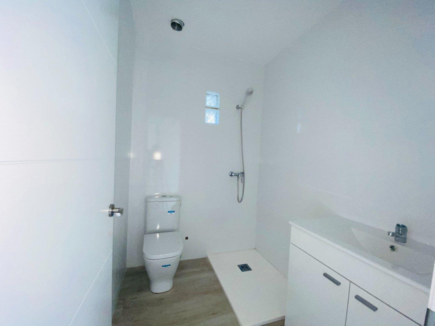 Conjunto de dos apartamentos con vistas a la playa - imagenInmueble26