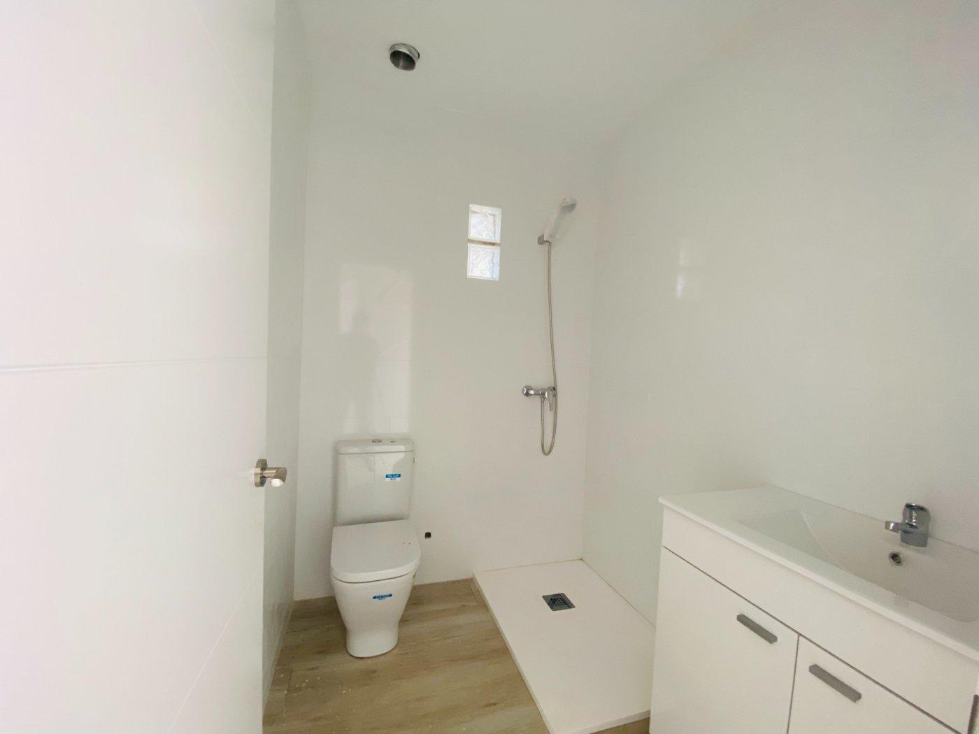 Conjunto de dos apartamentos con vistas a la playa - imagenInmueble28