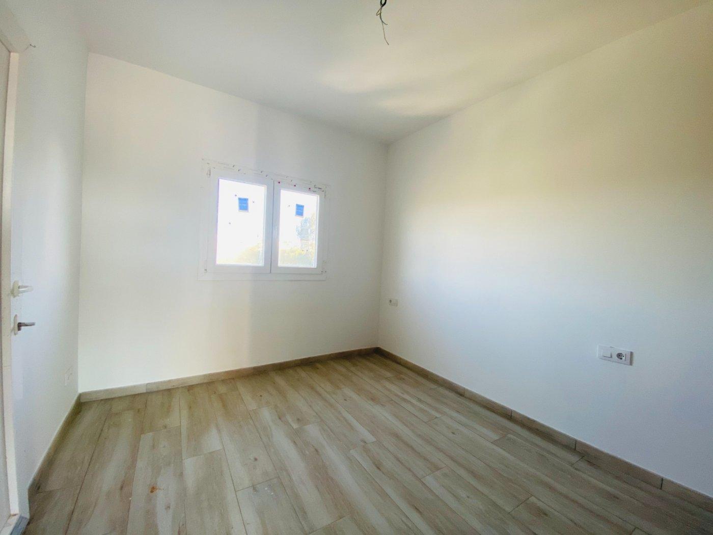 Conjunto de dos apartamentos con vistas a la playa - imagenInmueble29