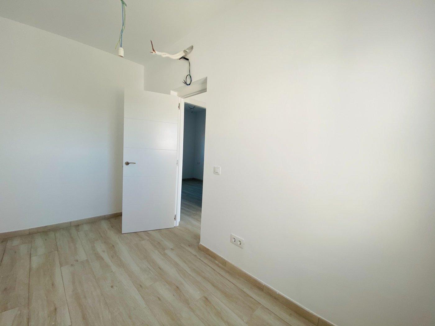 Conjunto de dos apartamentos con vistas a la playa - imagenInmueble32