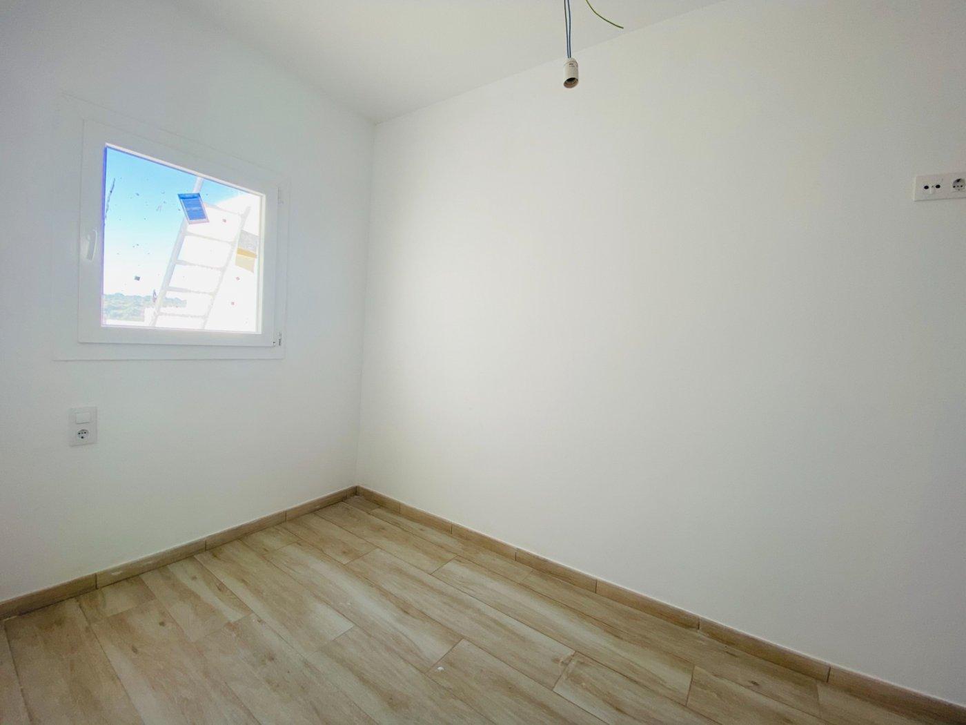 Conjunto de dos apartamentos con vistas a la playa - imagenInmueble33