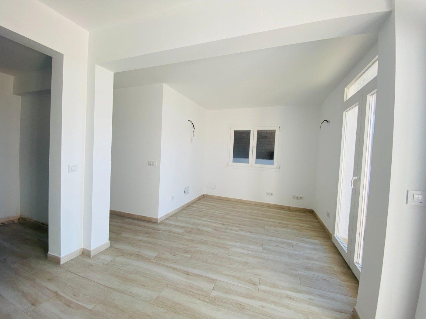 Conjunto de dos apartamentos con vistas a la playa - imagenInmueble7