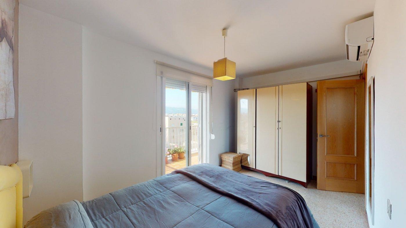 Luminoso Ático con vistas despejadas y terraza - imagenInmueble11
