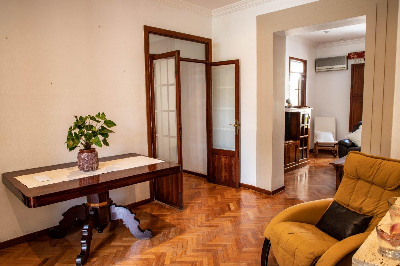 Primer piso con terrado privado en santa catalina - imagenInmueble9