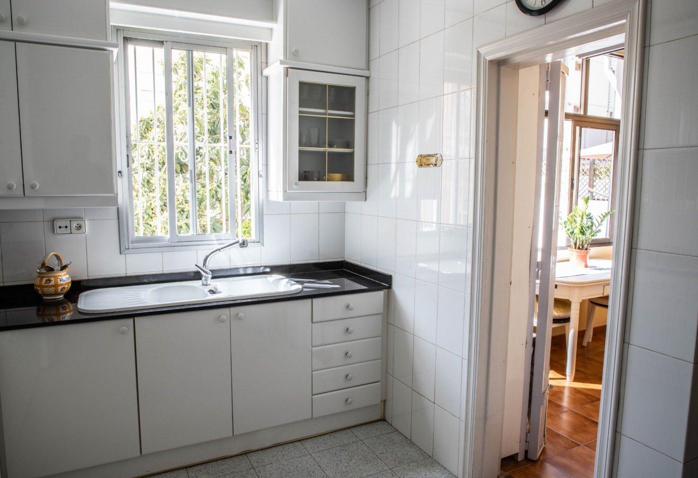 Primer piso con terrado privado en santa catalina - imagenInmueble14