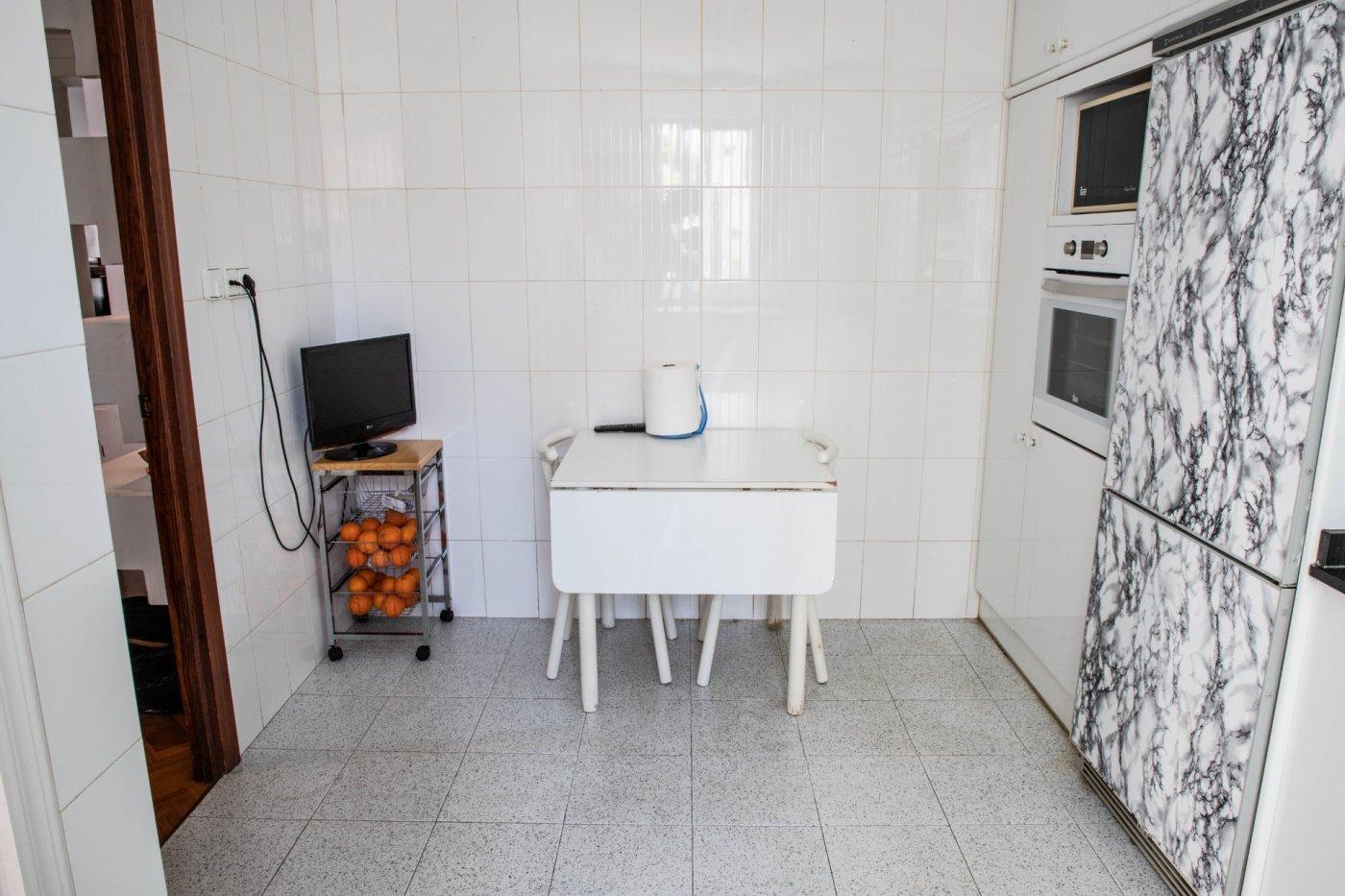 Primer piso con terrado privado en santa catalina - imagenInmueble17