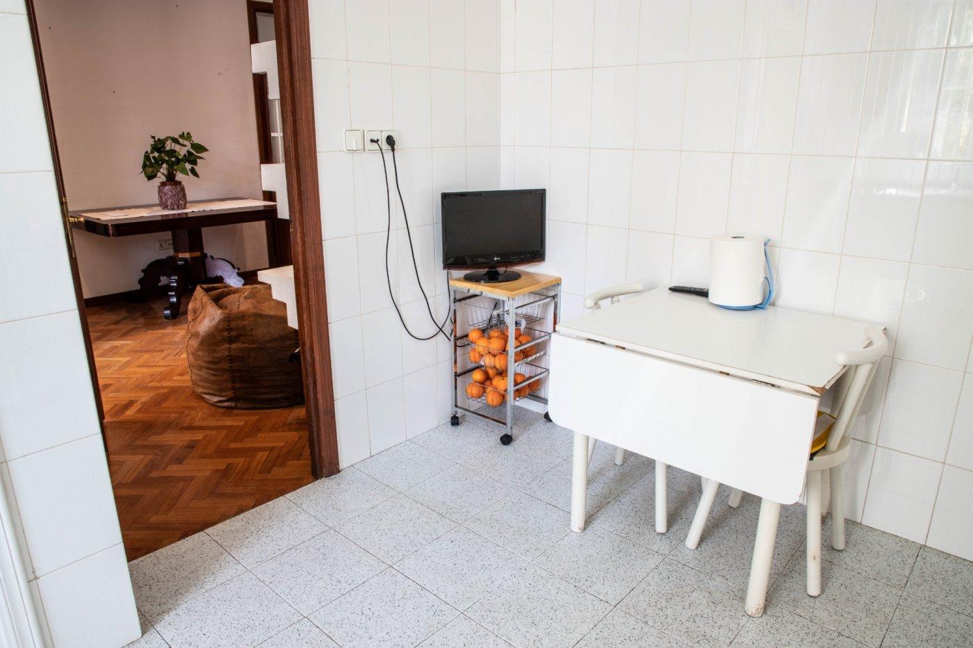Primer piso con terrado privado en santa catalina - imagenInmueble18