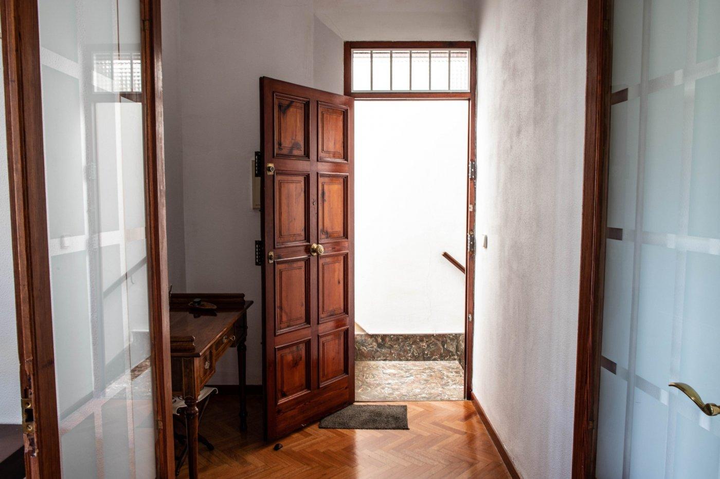 Primer piso con terrado privado en santa catalina - imagenInmueble26
