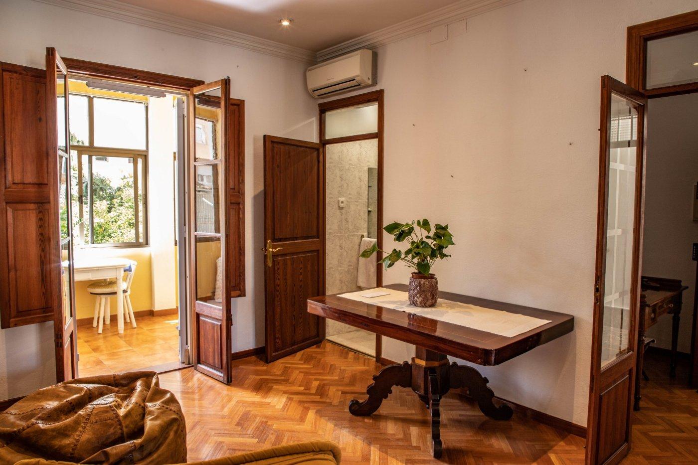Primer piso con terrado privado en santa catalina - imagenInmueble2
