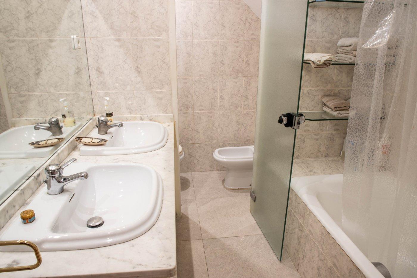 Primer piso con terrado privado en santa catalina - imagenInmueble32