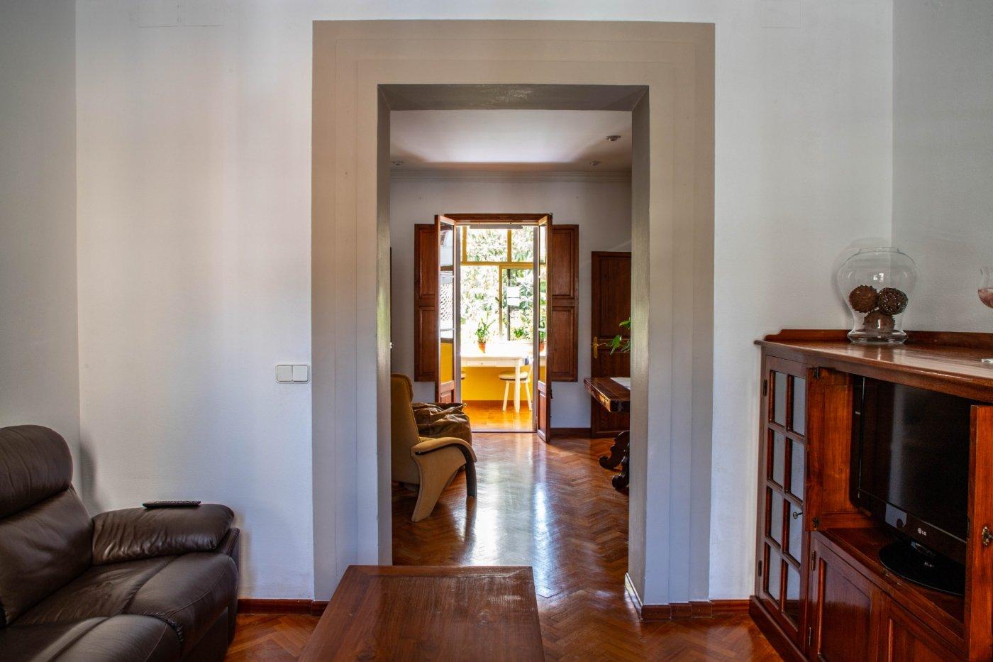 Primer piso con terrado privado en santa catalina - imagenInmueble3