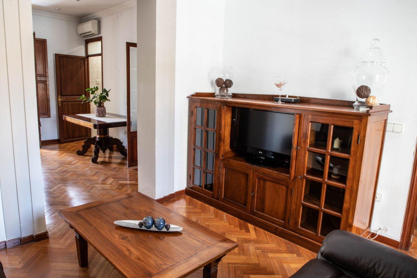 Primer piso con terrado privado en santa catalina - imagenInmueble6