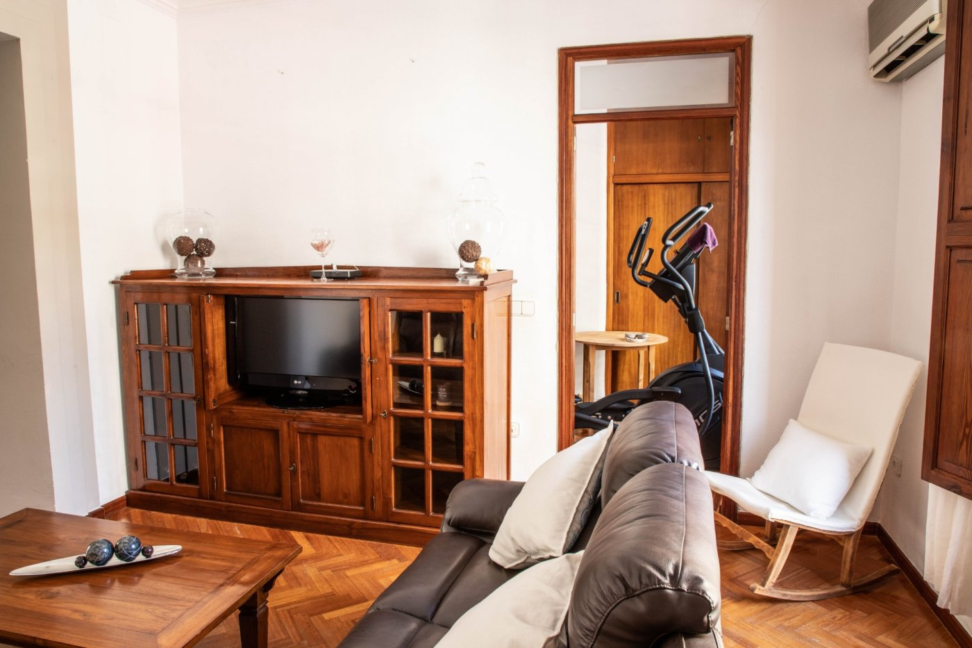 Primer piso con terrado privado en santa catalina - imagenInmueble8