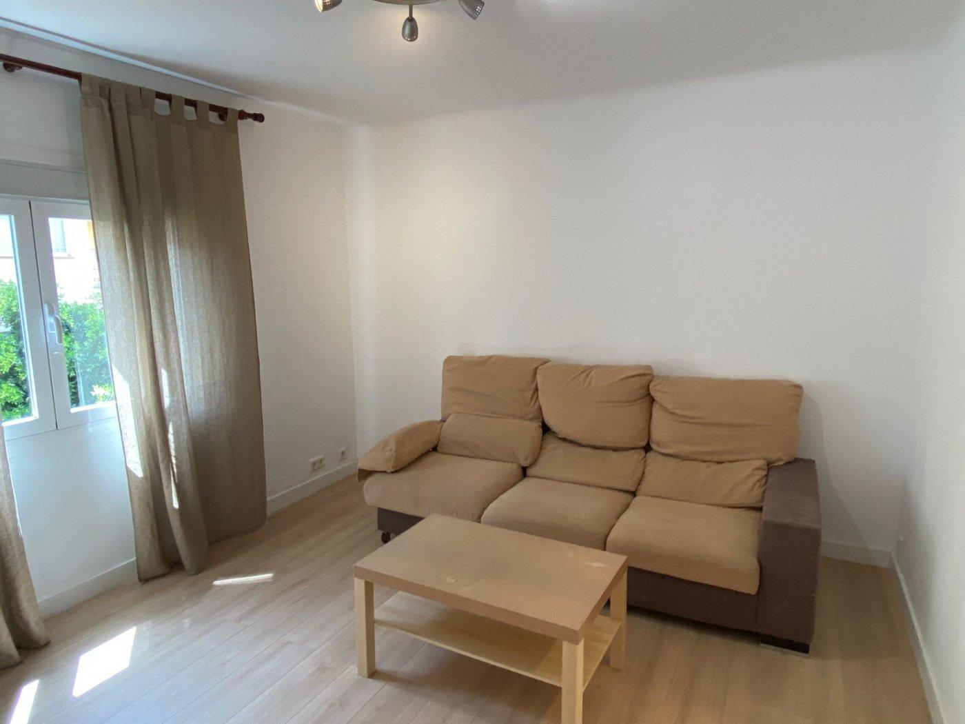 En alquiler piso con inmejorable ubicación - imagenInmueble0