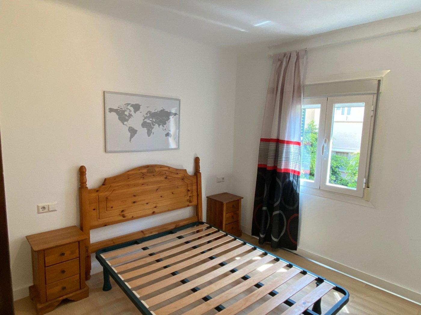 En alquiler piso con inmejorable ubicación - imagenInmueble2