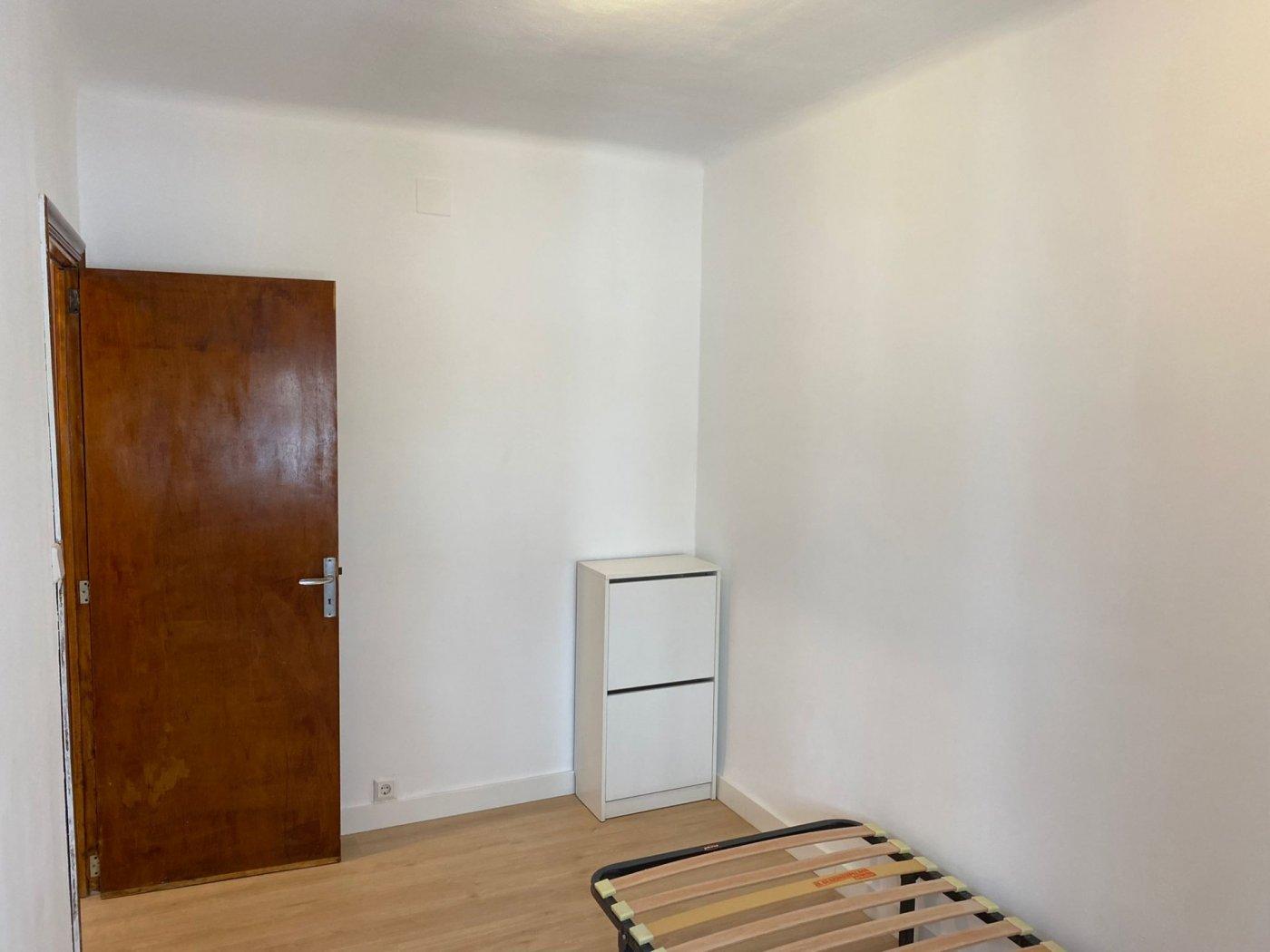 En alquiler piso con inmejorable ubicación - imagenInmueble4