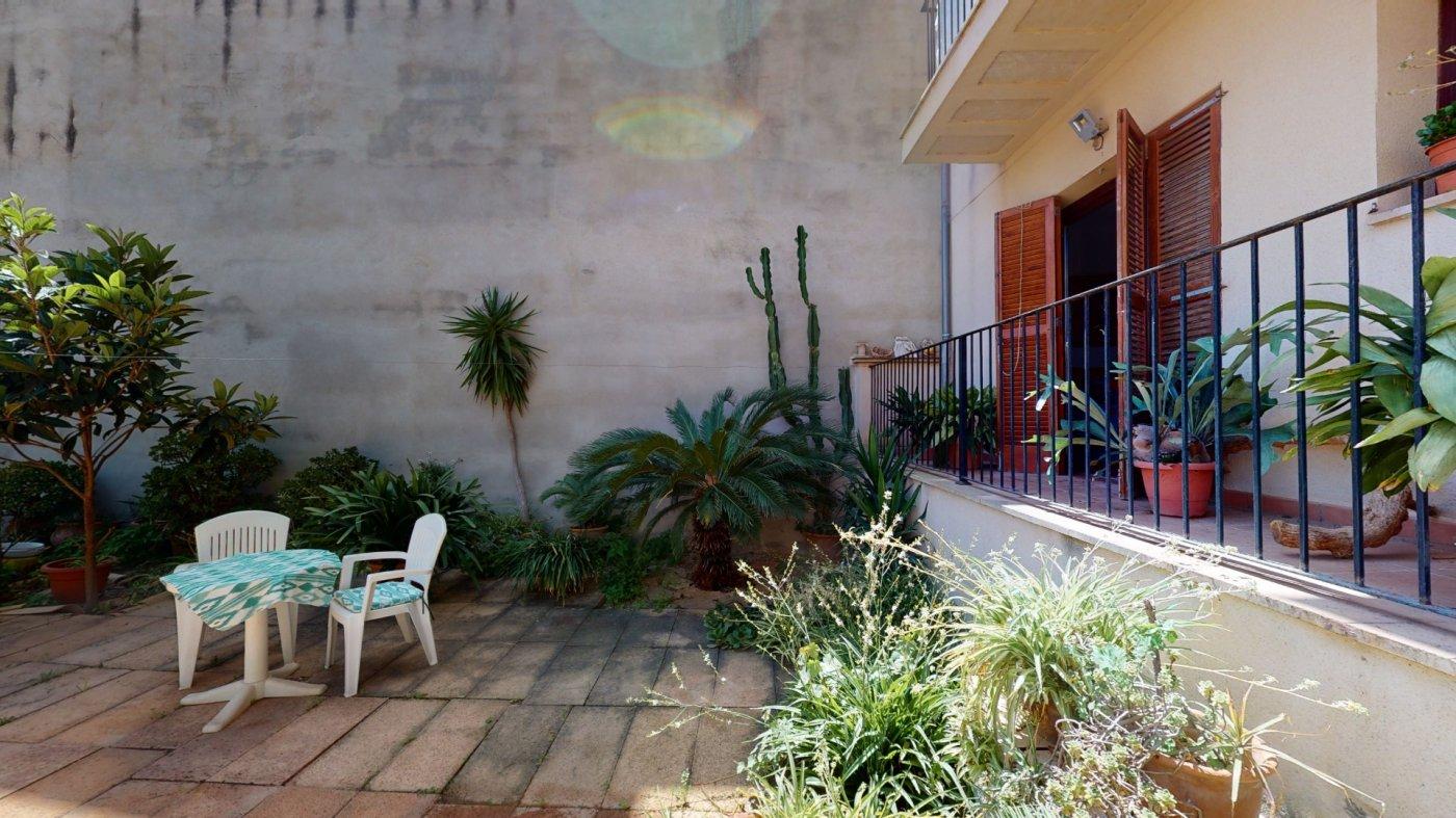 Hermosa planta baja con terraza y patio - imagenInmueble1