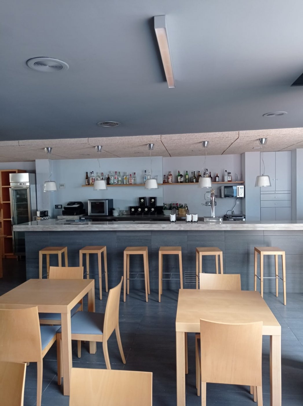 Venta o alquiler con opciÓn a compra de restaurante-bar en el centro de mahÓn totalmente e - imagenInmueble16