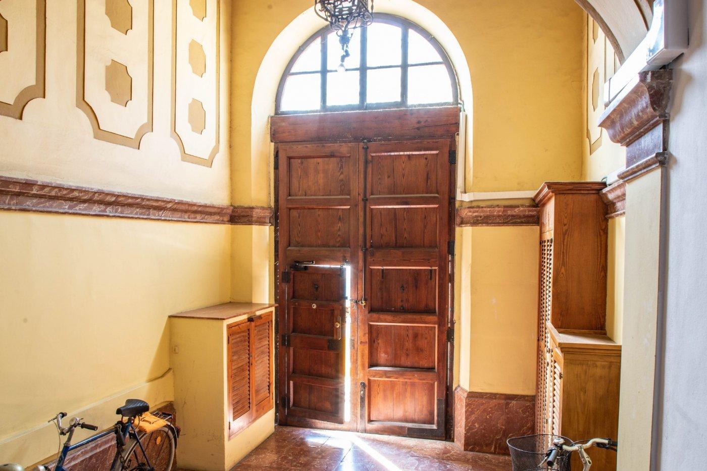 Precioso piso antiguo con mucho carácter en el centro de palma - imagenInmueble23