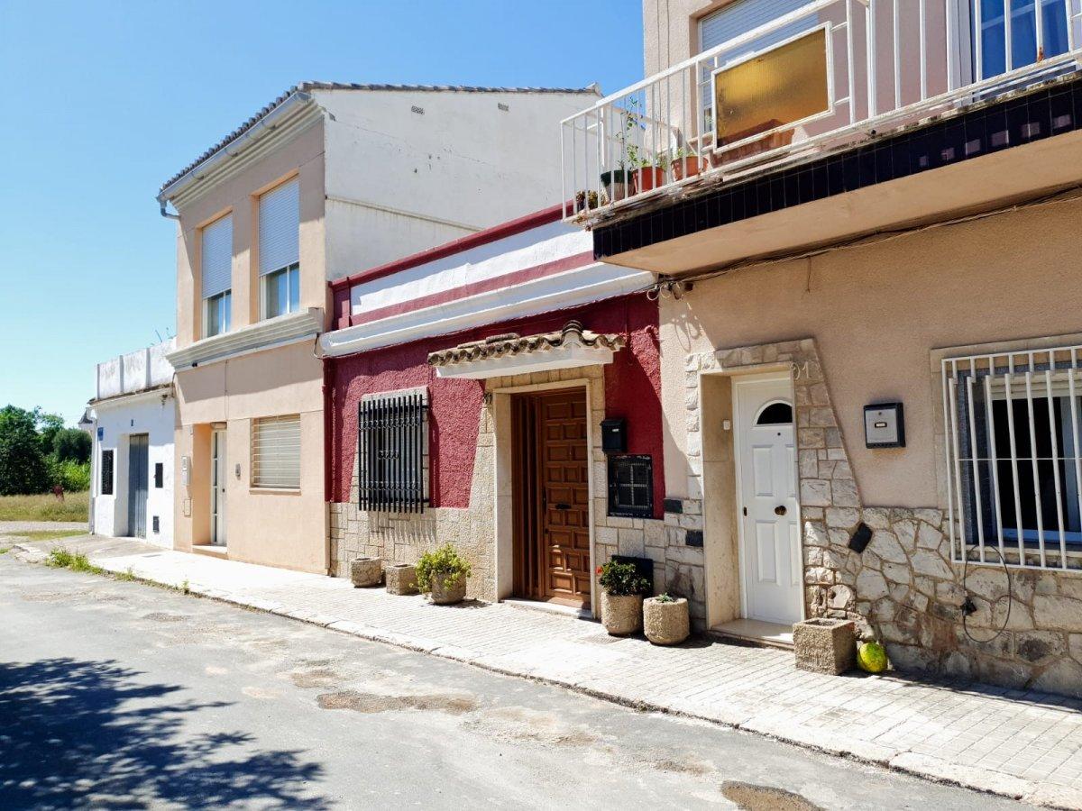 casa-de-pueblo en godella · godella 85000€