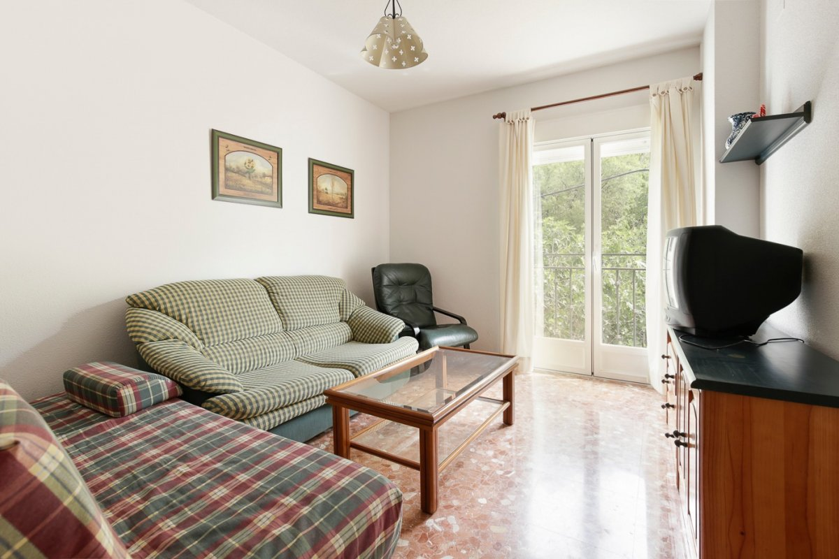 Bonito apartamento de 2 dormitorios en güejar sierra a un precio sin comptencia!!!!