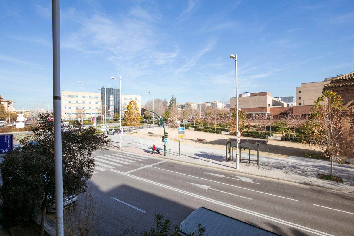 OPORTUNIDAD!!! Piso de 4 dormitorios y 2 baños en Avenida de Madrid, Granada