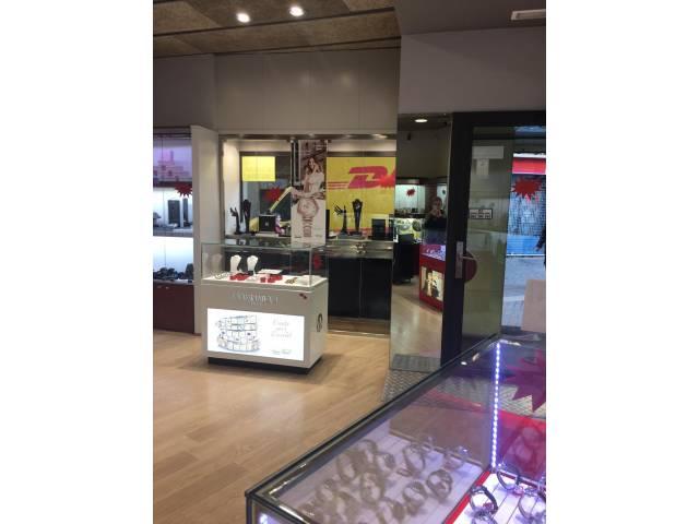 Local comercial en venta en Valldaura-Plaça Catalunya