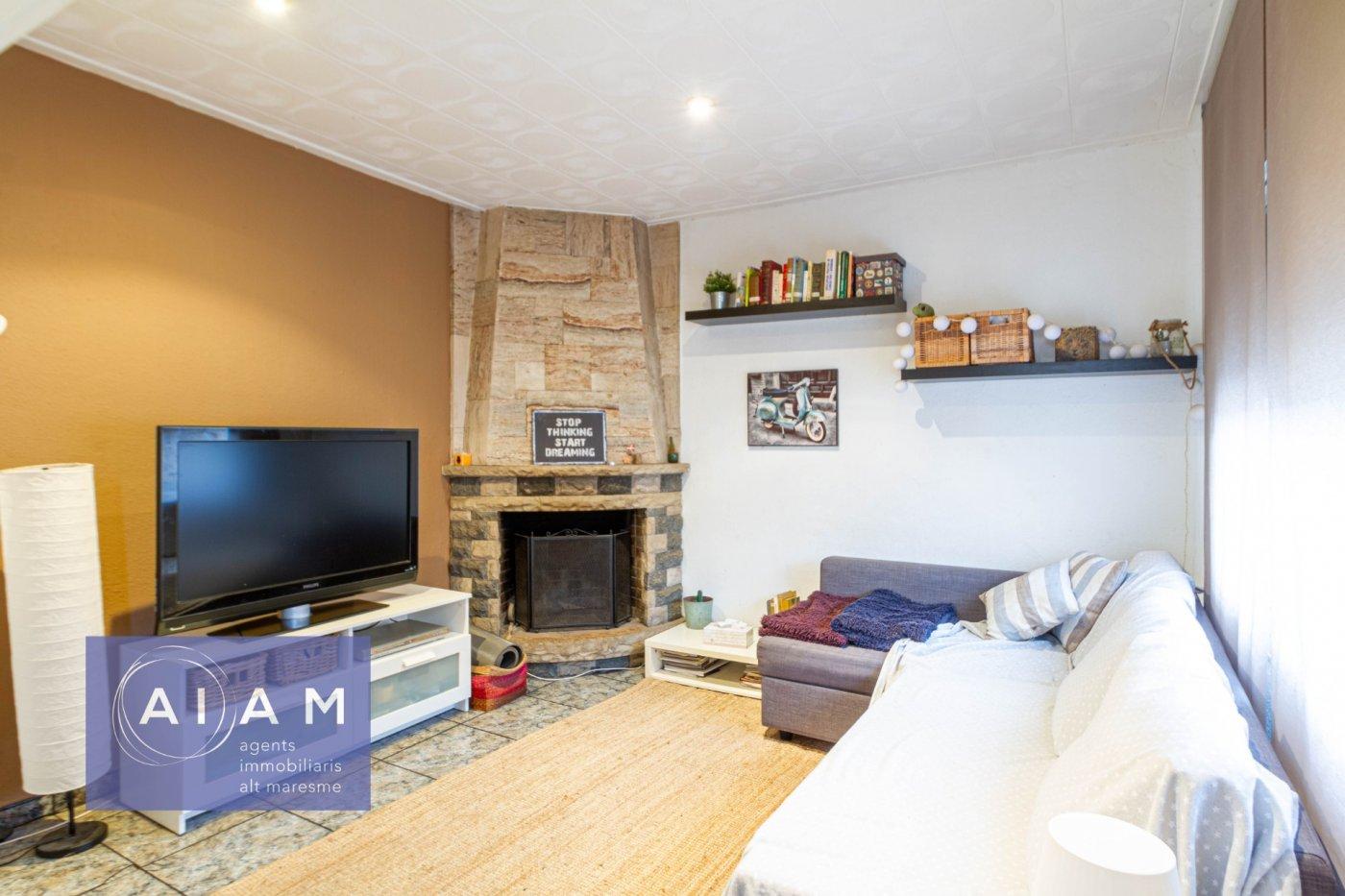 Casa en zona urbana de 3 habitaciones + garaje - imagenInmueble0