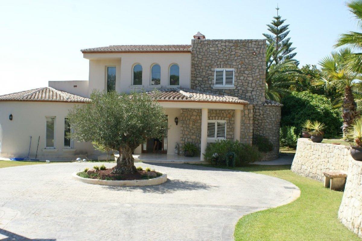 villa-de-lujo en benissa-costa · cala-advocat 2100000€