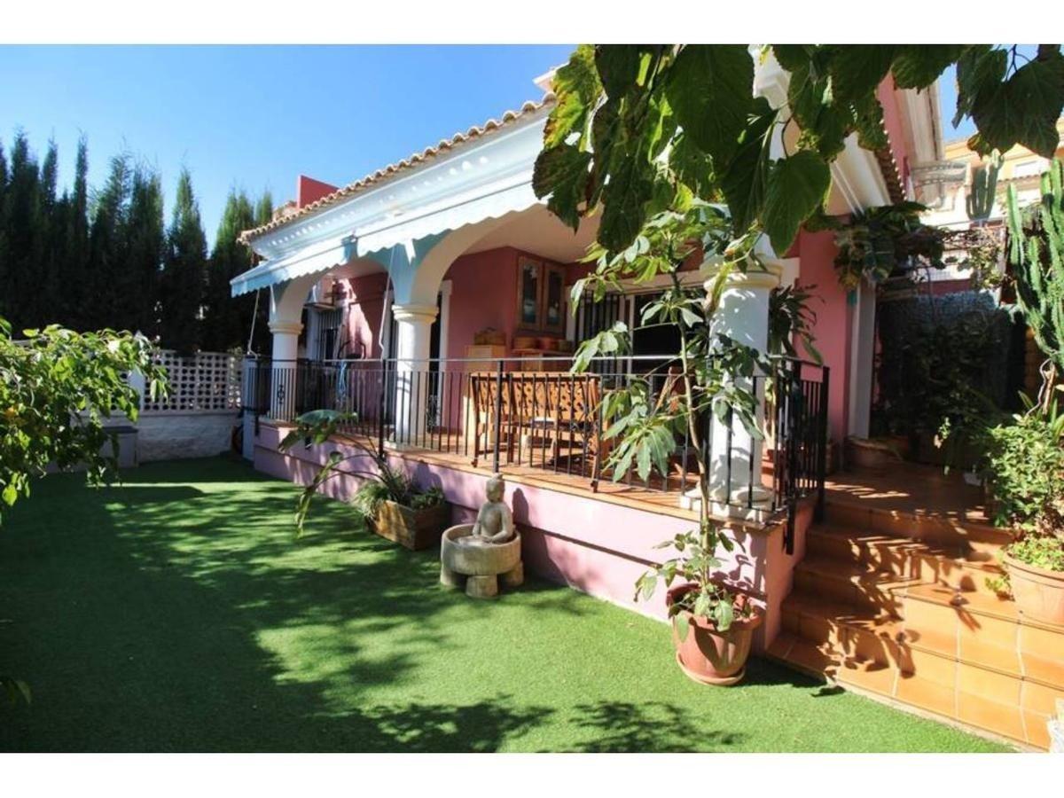 Planta baja adosada con jardin en bonalva - imagenInmueble23