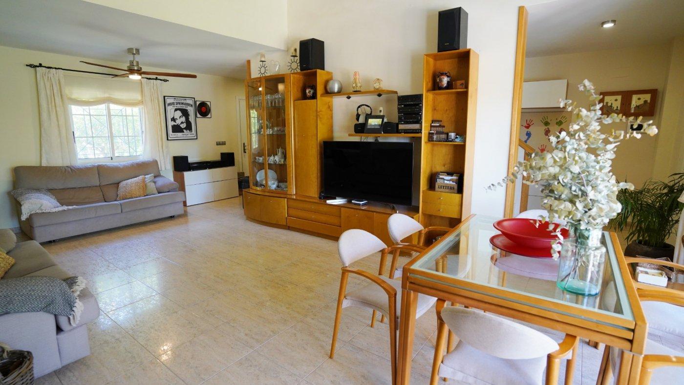Gran propiedad en urbanizacion villamontes - imagenInmueble12