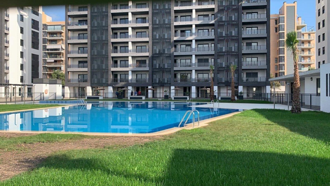 Espectacular vivienda de 4 dormitorios y 2 baños en urbanización completísima del pau 5 - imagenInmueble0