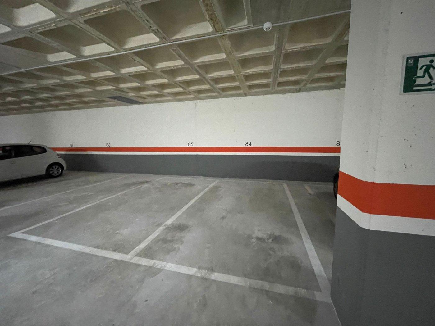 Urbanización, vvda en alquiler amueblada con garaje y trastero. 5 min. playa - imagenInmueble24