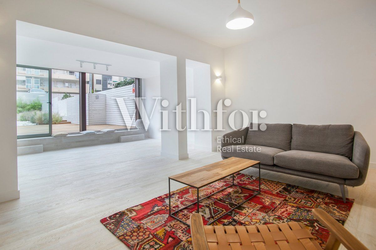 Bright apartment with terrace on Passeig Sant Joan - 1